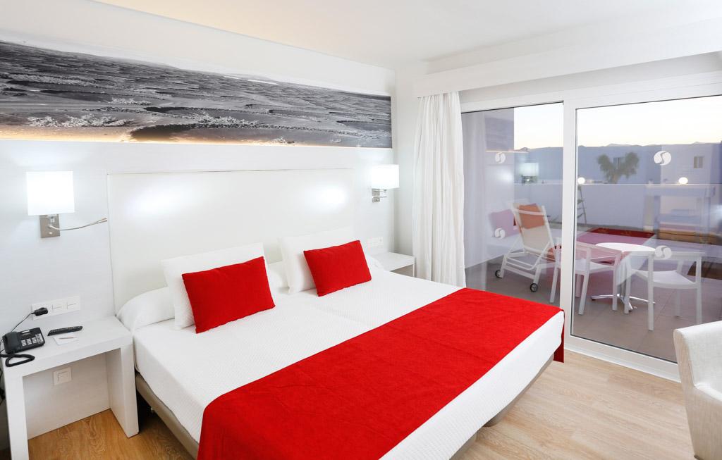 SL-Junior-Suite-Familiar-Dormitorio-terraza