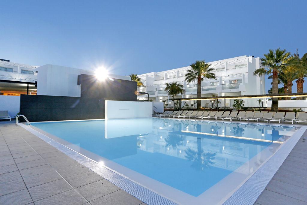 Aequora Lanzarote Suites Hotel (10)