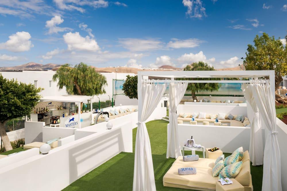 blue-bar-aequora-lanzarote-suites